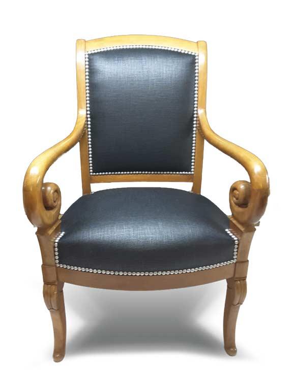 Rénovation de sièges par un tapissier décorateur expérimenté près d'Ermont